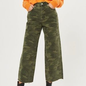 Topshop High Rise Camo Moto Jeans 28
